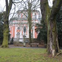 Barocke Schlosskirche Buch am Rande des Parks. © N. A. Klöhn