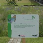 Informationstafel des BUND über das Schmetterlingswiesenprojekt © BUND Baden-Württemberg